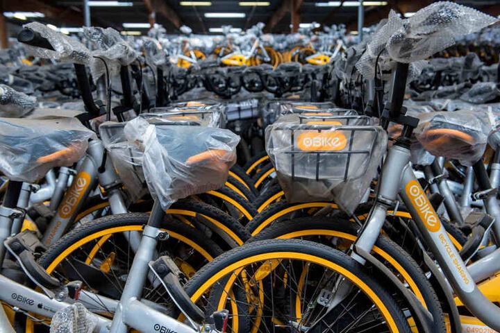 """Wer die Obikes zur einem Fahrradhändler in München bringt, bekommt eine """"Aufräumprämie"""". (Archivbild)"""