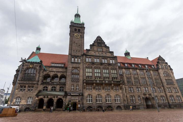 Die Chemnitzer Bürgermeister wiesen in den letzten Monaten immer wieder Ratsanfragen zurück.