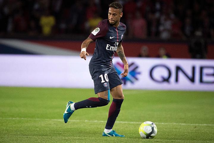 Neymar (26) wird auch in Zukunft das Trikot von Paris Saint-Germain tragen.