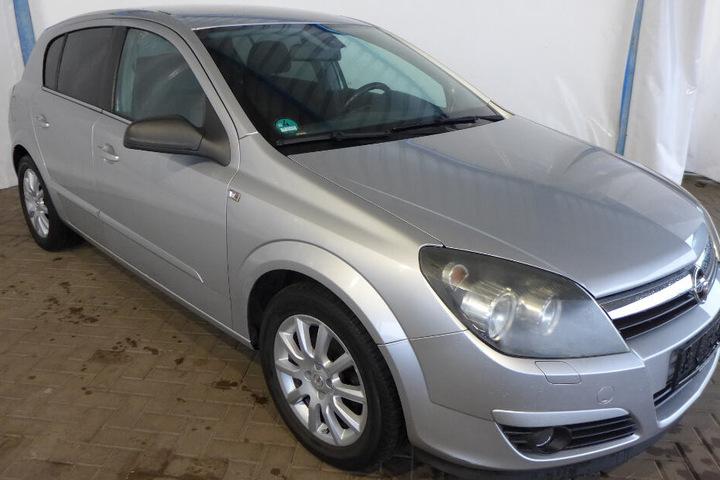 Der Opel Astra von 2004.