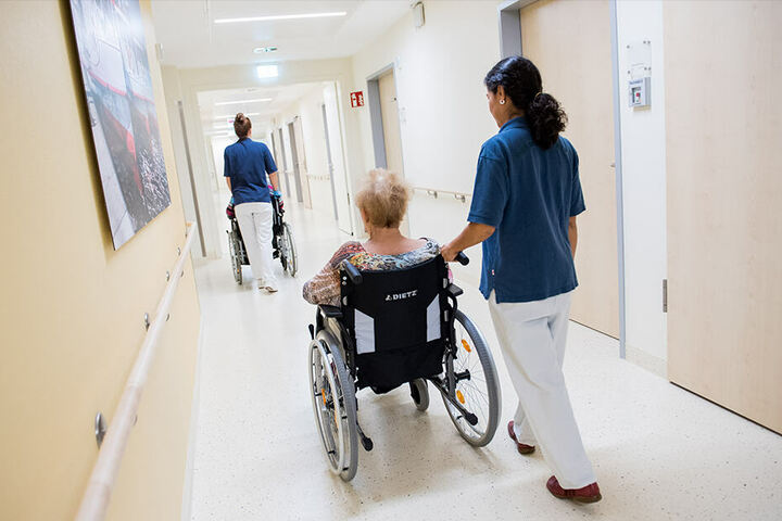 Schafft Deutschland, für mehr Personal und eine bessere Pflegequalität zu sorgen?