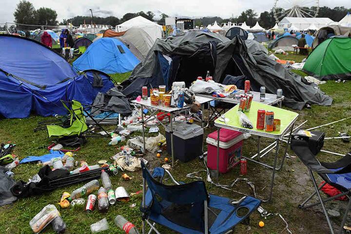 Solche Müll-Berge sind keine Seltenheit auf Festivals.