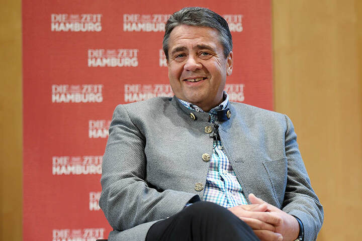 Den Vorschlag hatte Außenminister Sigmar Gabriel (58, SPD) gemacht.