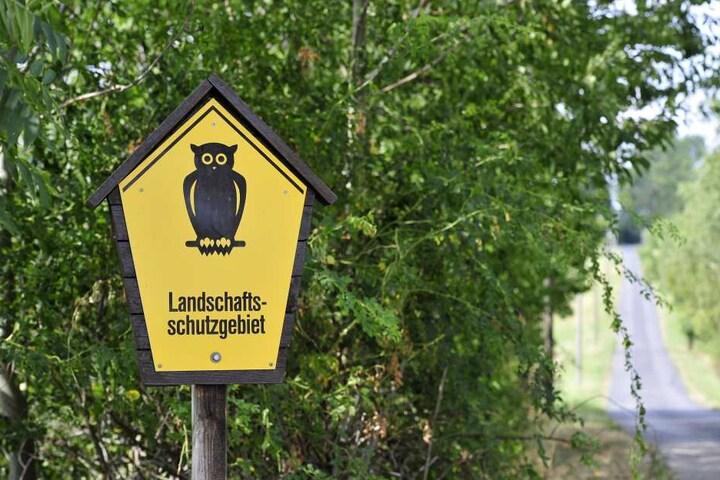 Unweit der Firmenhalle befinden sich das Landschaftsschutzgebiet Römertal und weitere Biotope.