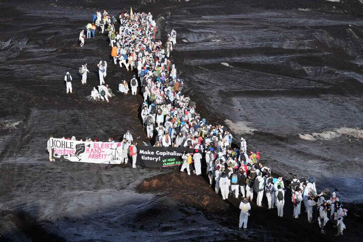 Klimaaktivisten im Tagebau Vereinigtes Schleenhain.