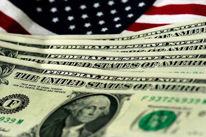 Von dem vielen Geld kann der Lotto-Gewinner sich keine Gefühle kaufen.