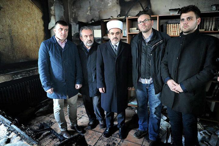 Islamische Bosniaken: Nihat Becirovic (v.l.), Imam Muhamed Fetic, Obermufti Paso Fetic, und Haris Mulic.