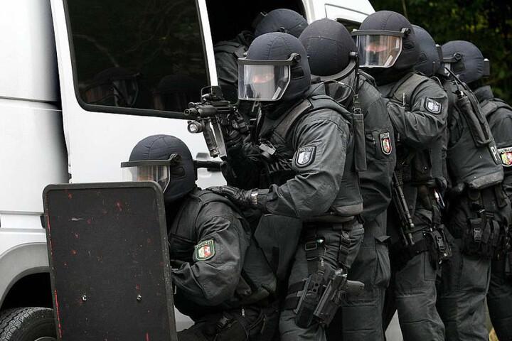 Spezialeinsatzkräfte der Polizei üben für den Ernstfall eines Terroranschlages.