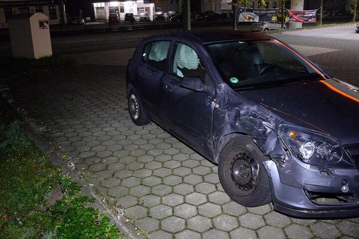 Diesen Opel Astra fuhr ein 79-Jähriger, der verletzt ins Krankenhaus musste.