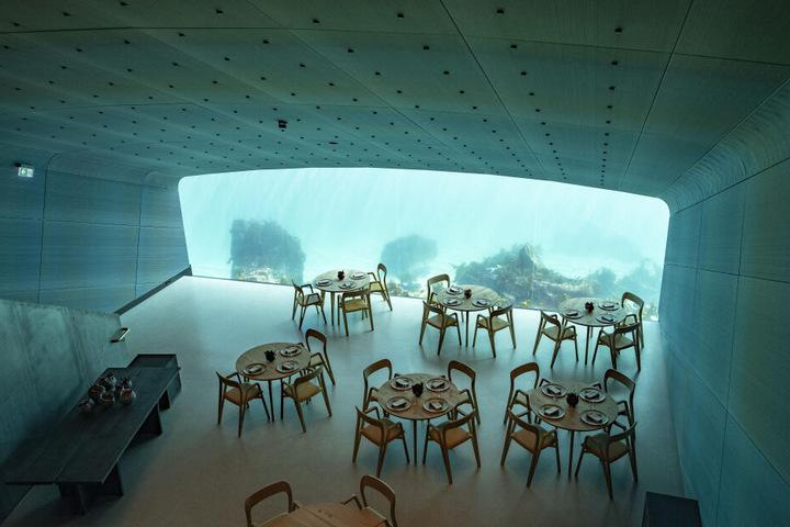 Der Speisesaal des Unterwasserrestaurants.