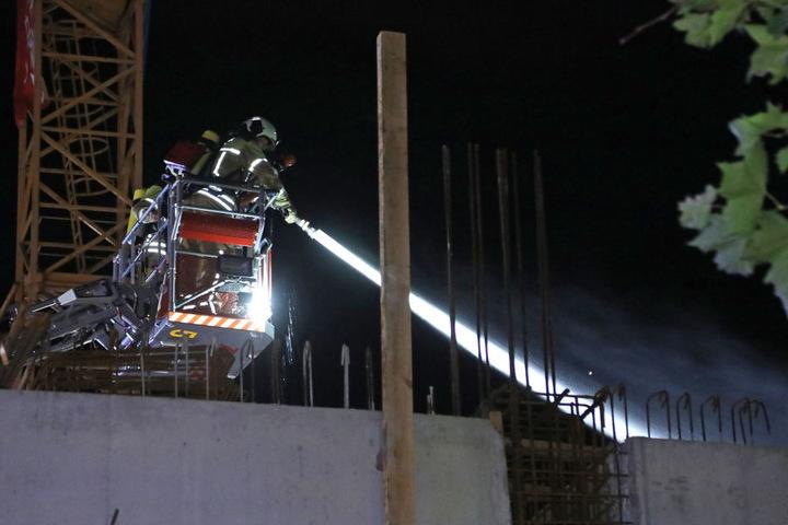 Feuerwehrleute brachten den Brand schnell unter Kontrolle