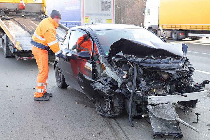 Am Opel entstand ein Totalschaden.