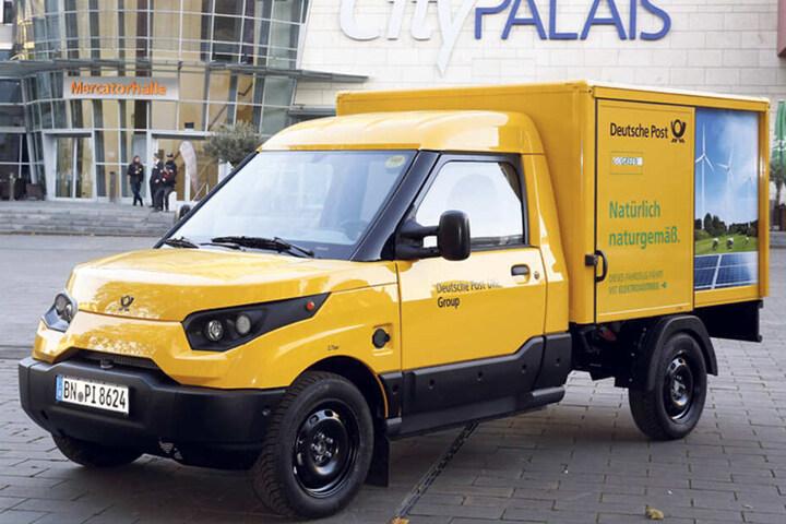 """Die Deutsche Post hat bereits viele E-Autos in ihrer Flotte. Andere """"Stromer"""" erkennt man nicht ganz so leicht."""