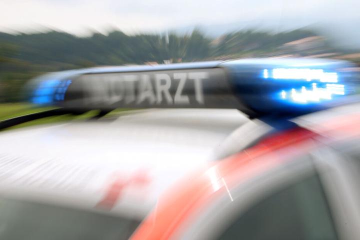 Der 23-Jährige erlitt bei dem Crash leichte Verletzungen. (Symbolbild)