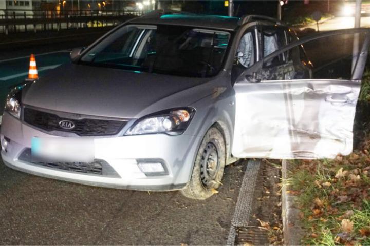 Der Fahrer dieses Kias hatte den Unfall ausgelöst.