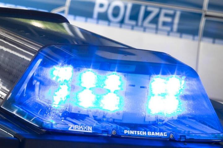 Die Polizei nahm den 50-Jährigen besoffen an einer Tankstelle fest. (Symbolbild)