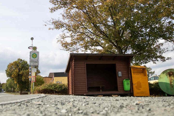 In der Poststraße steht heute diese Bushaltestelle. In der Straße soll Peggys Leiche übergeben worden sein.