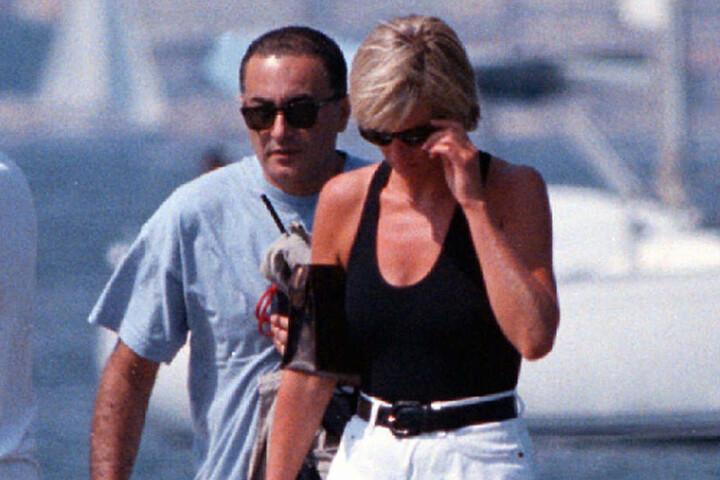 Mit ihrem neuen Freund Dodi Al-Fayed († 42) wollte sie in dessen Appartment fahren.