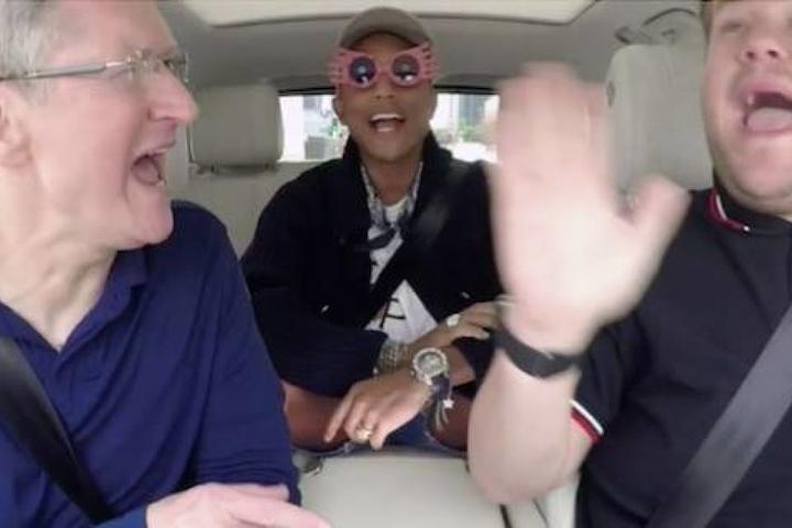 Super angesagt: Carpool-Karaoke mit Tim Cook, James Corden und Pharrell Williams.
