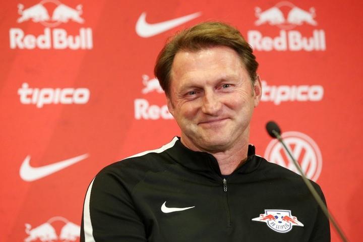 """Für Trainer Ralph Hasenhüttl ist das Spiel um Platz eins ein """"Bonusspiel""""."""
