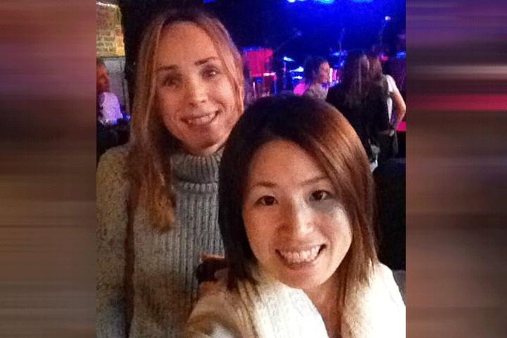 Natalie Woods (42) mit ihrer Frau Shoko Woods (36).