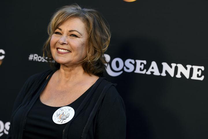"""Roseanne Barr ist glücklich bei der Los Angeles-Premiere der TV-Serie """"Roseanne""""."""