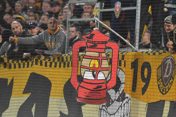 Immerhin: Die Rote Laterne konnte Dynamo an den Gegner aus Wiesbaden weitergeben.