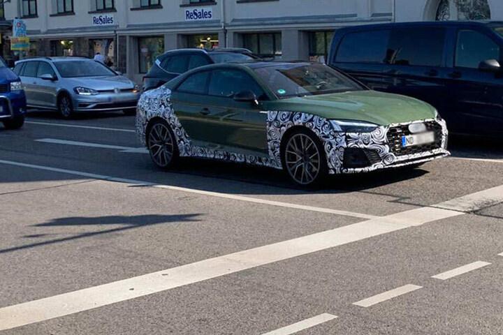 Der getarnte Wagen war am Nachmittag auf der Hartmannstraße stadtauswärts unterwegs.