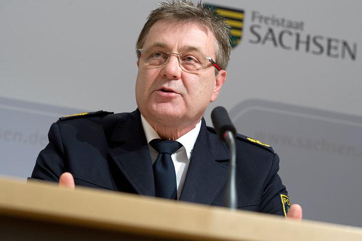 Polizeipräsident Bernd Merbitz wirft den linken Connewitzern vor, sich an den G20-Krawallen in Hamburg beteiligt zu haben.