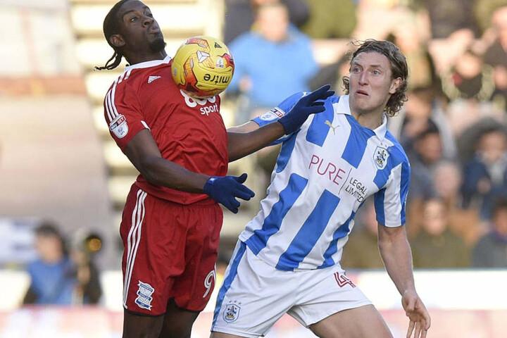 Michael Hefele (r.) wechselte nach England zu Huddersfield Town.