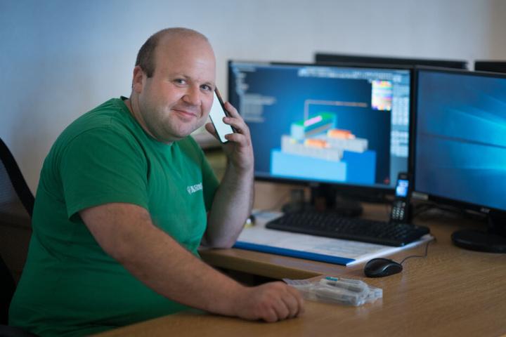 Ulli Clauß (33) ist auf schnelles Internet angewiesen.