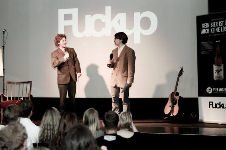 Waldemar Abbicht und Rohland Menschberg moderieren die FuckUp Nights.