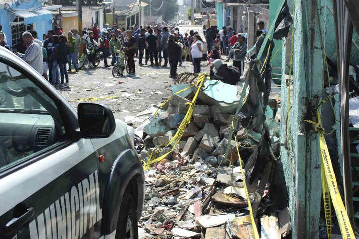 Unter den Toten sind auch zwei Kinder. Sechs weitere Mensch wurden verletzt.