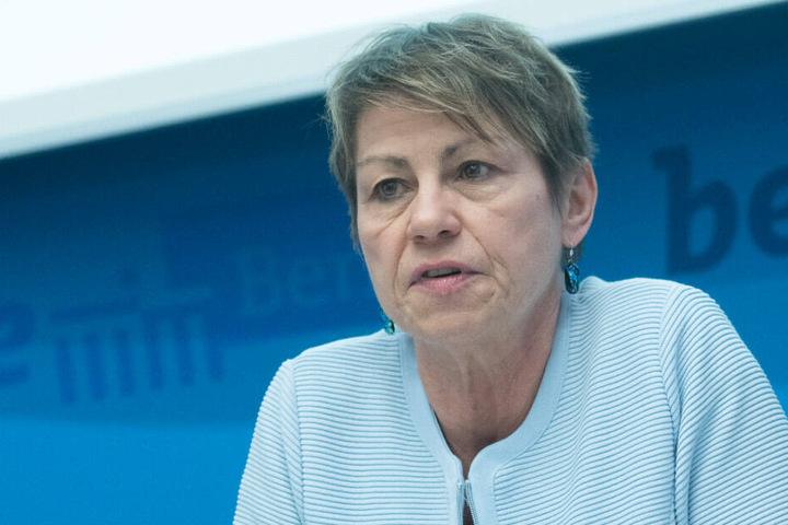 Berlins Sozialsenatorin Elke Breitenbach bei einem Pressegespräch.