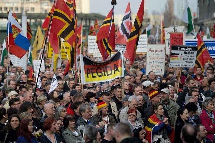 Noch immer läuft PEGIDA durch Dresden. Nationalistisches, ausländerfeindliches Denken ist weit verbreitet.