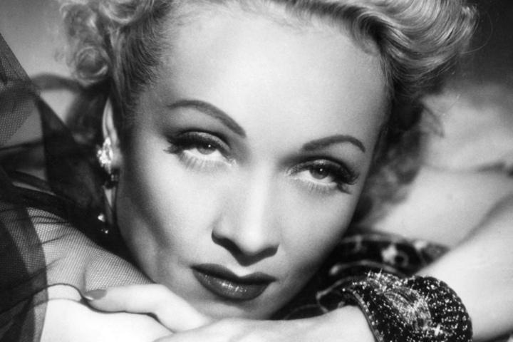 Marlene Dietrich galt in der Vorkriegszeit als Stilikone und wurde 1999 als eine der 25 größten weiblichen Leinwandlegenden aller Zeiten gekürt.