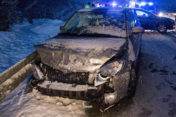 Wie hoch der Schaden an den Fahrzeugen ist, steht noch nicht fest.
