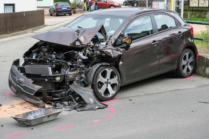 Die Kia-Fahrerin musste ins Krankenhaus gebracht werden.