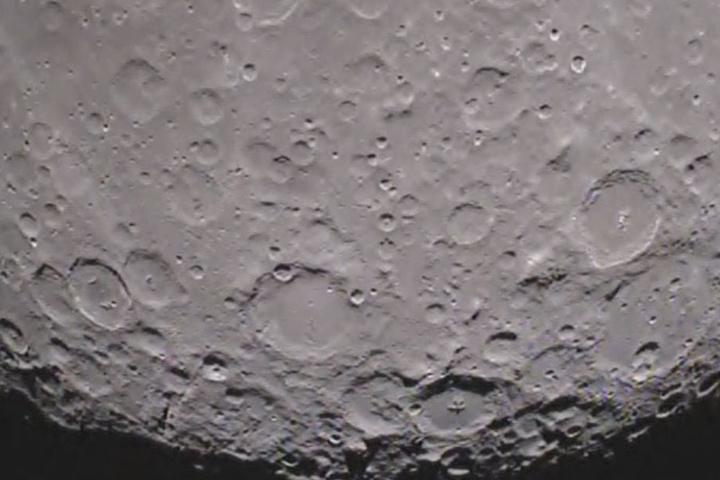 Die Rückseite des Mondes.