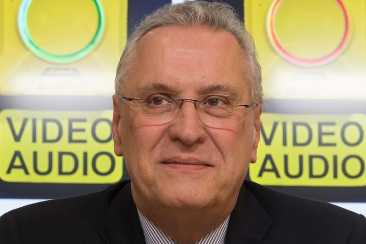 Münchner Polizeiskandal schlägt hohe Wellen: Joachim Herrmann steht in der Kritik.