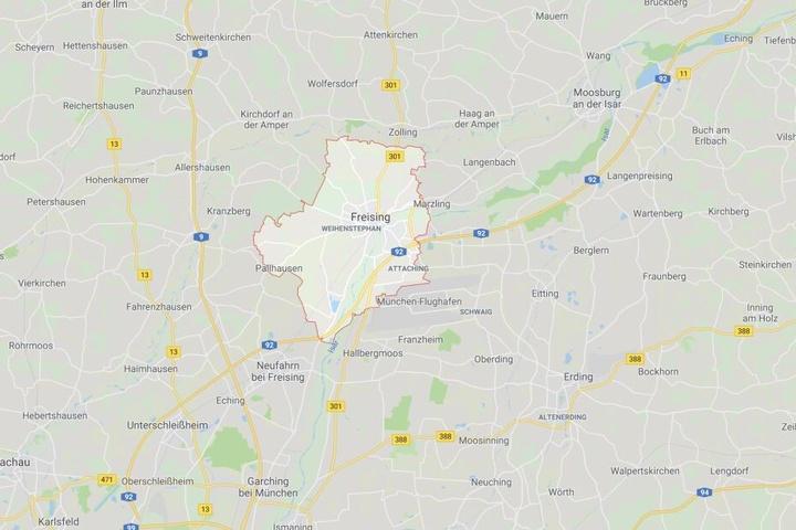 Auf der Autobahn 92 bei Freising ist es in Bayern zu einem schweren Unfall gekommen.