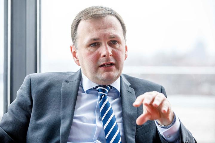 Linken-Politiker André Schollbach (38) ist schockiert über die Attacke.
