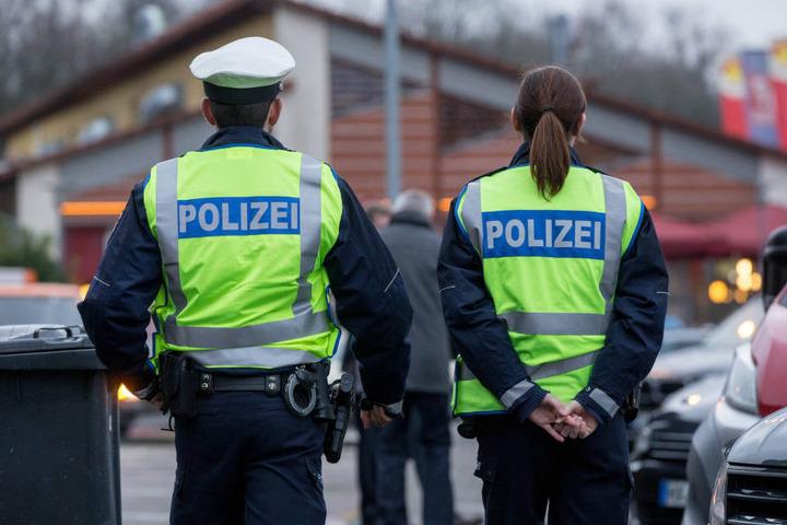 Der Streit zwischen den Polizisten begann vor vier Jahren, als der 47-Jährige erfuhr, dass der Kollege ihm die Lebensgefährtin ausgespannt hatte.