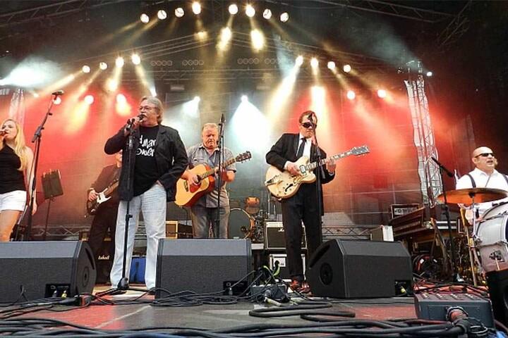 2011 auf dem Neumarkt: Zusammen mit Tschernig stand Bodo Martin (50,  Schlagzeug) auf der Bühne.