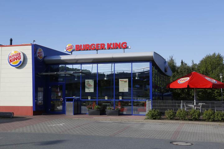 """Der Räuber überfiel die """"Burger King""""-Filiale am Südring."""