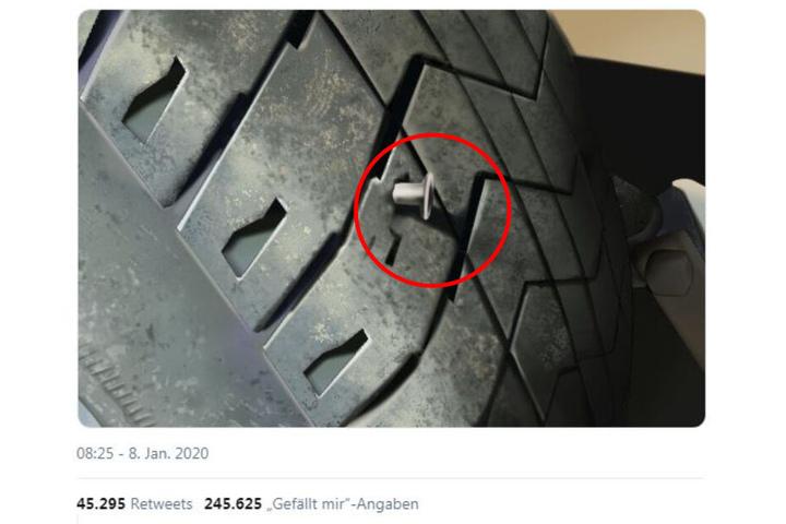 Herrlich dämlich: Der Nagel im Reifen ist nicht echt.
