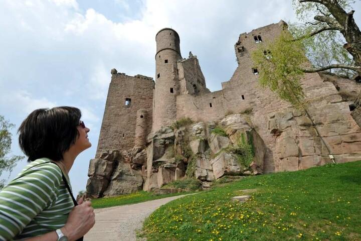 Die Burg Hanstein steht überhalb von Bornhagen.