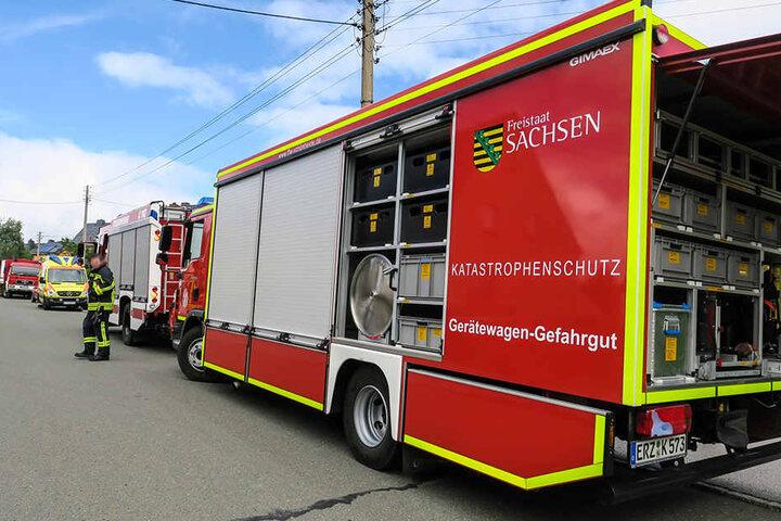 Mehrere Feuerwehren und der Gefahrgutzug des Erzgebirges waren vor Ort.