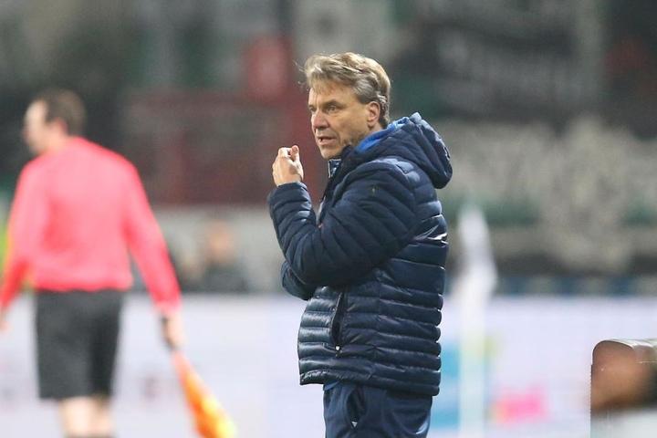Trainer Horst Steffen hat ein dickes Problem: Die Defensive präsentiert sich nicht drittligareif!