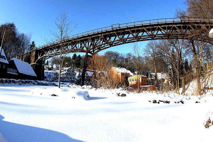 Das Rabensteiner Viadukt wird auch zum 120. Jubiläum weiter vor sich  hingammeln.